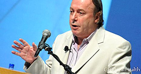 Christopher Hitchens a souffert d'un cancer de l'œsophage