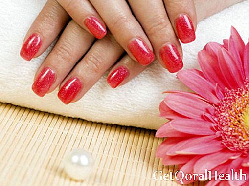6 steps to a manicure at home