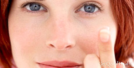 Contact lenses identify glucose level