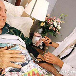 Yaşlı hastalarda hareketsizlik riskleri