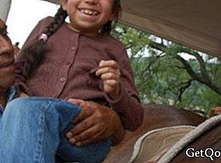 Free equine therapy for children with disabilities in Ecatepec