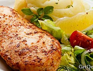 Grilled turkey fillets with lettuce