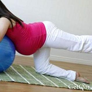 เล่นโยคะในการตั้งครรภ์